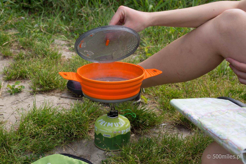 Gotowanie na biwaku to nie tylko gotowanie wody... choć najczęściej tak się zaczyna.