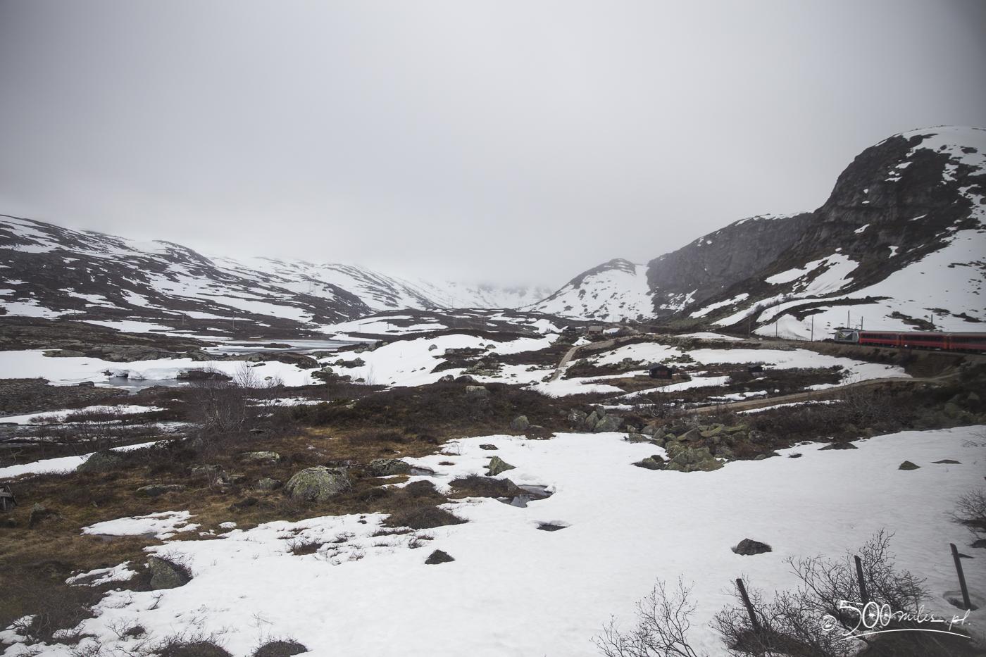 Oslo-Bergen train ride - going through snow