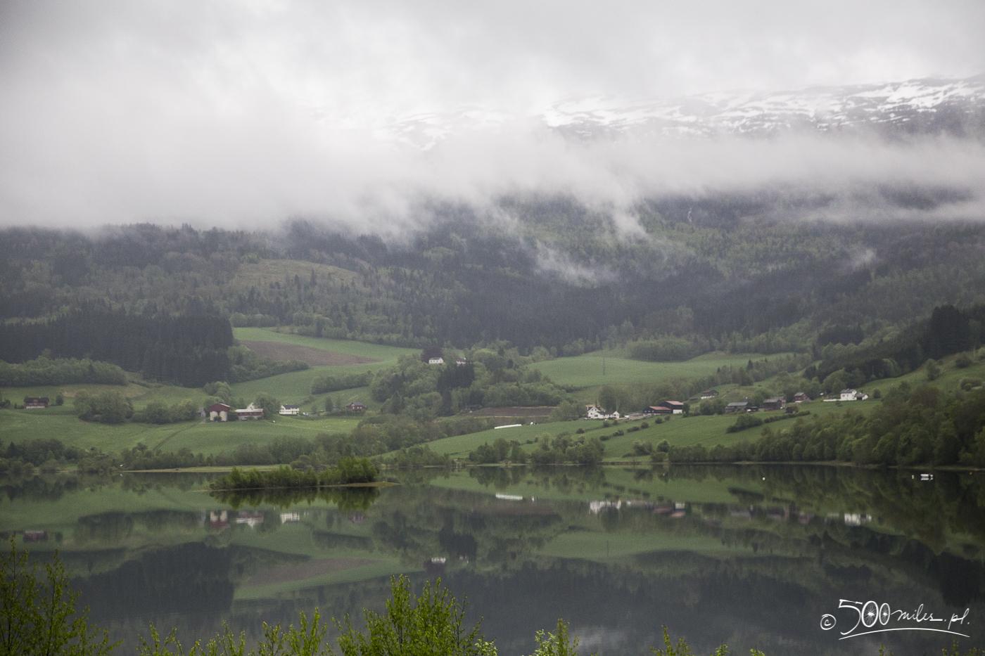 Oslo-Bergen train ride - lake view