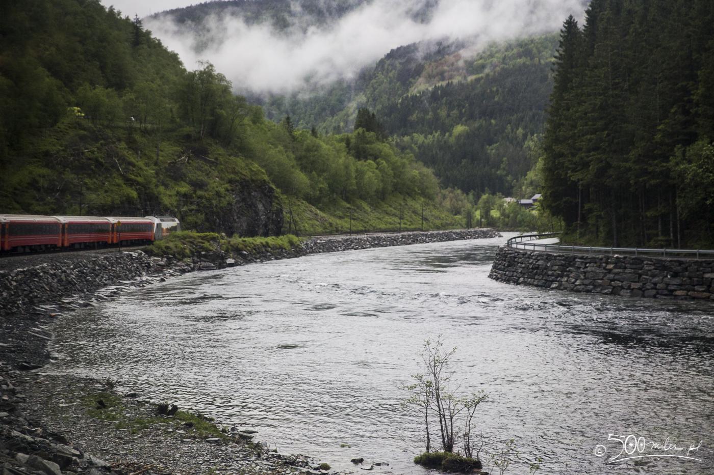 Oslo-Bergen train ride - getting closer to Bergen